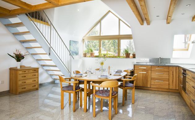 wohnung 39 dachgalerie 39 muc4rent. Black Bedroom Furniture Sets. Home Design Ideas